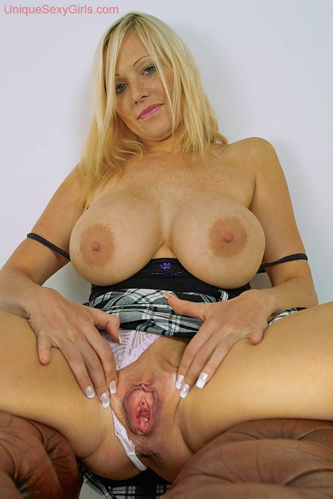 very hot mature spreading her pussy from Unique Sexy Girls